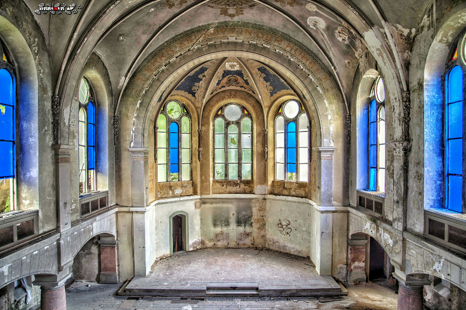 The 🅱lue church [Pic 10/10]  Glory to God in the highest, and on earth peace among men in whom he is well pleased.  'Ehre sei Gott in der Höhe' und Frieden auf Erden und den Menschen ein Wohlgefallen.   #Schrift #urbex #lostplace #lostplaces #vergessener #verlassener #Ort #Ruine #lost #places #urban #exploring #rotten #abandoned #place #oldphoto #bw #sw #colorful  #photography #retro #vintage #leaving #emotions #urbandecay  #blackandwhite #destroyed #UrbanExploration #Stadterkundung #destroy #UrbanExploring #UrbanExplorer #silence #stille #ruhe #building #nostalgic #nostalgie #history #Historie #empty #leer #vergessen #leerstehend #people #Foto #UrbexerAP #LP #art #church #Kirche #blue #blau #door #tür #windows #window #BlueWindow