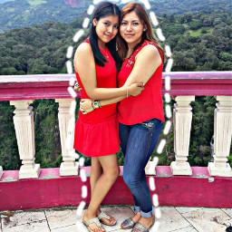 naonilco sisters
