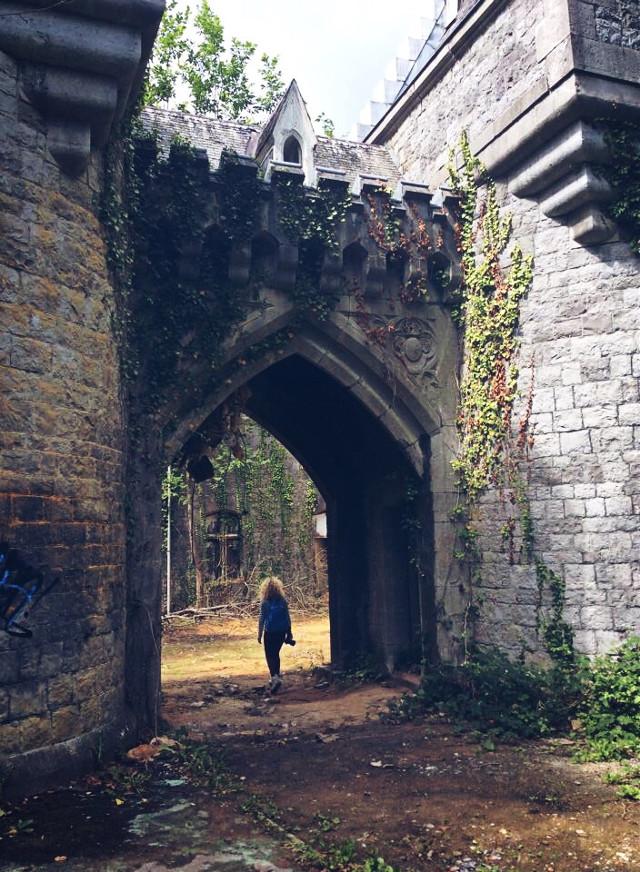 #belgium #namur 🇧🇪 #throwback #miranda #castle #travel #abandoned #photography #photo_by_nelli #editedbyme #interesting #adventure #nature #old #architecture #picsart #FreeToEdit 😊