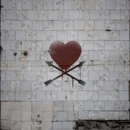 freetoedit hearts photography abondoned graffiti