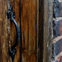vintage doorhandle door wood woodendoor